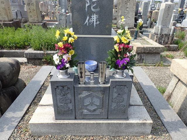 お墓の花筒・ロウソク線香立て