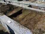 西荘霊園のコンクリートと泥
