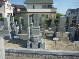 庵治石のお墓完成