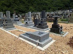 お墓の四ツ石