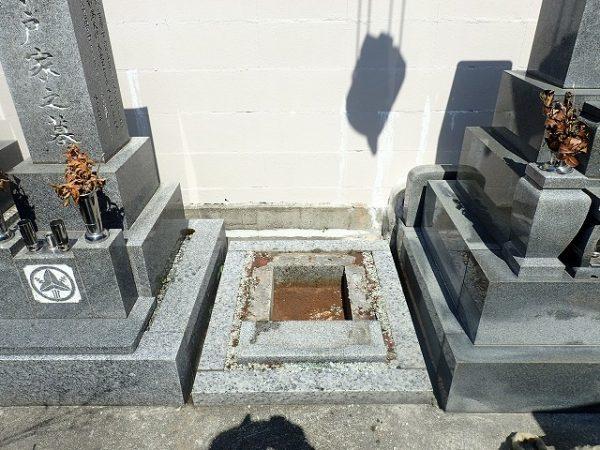 お墓をクレーンで回収