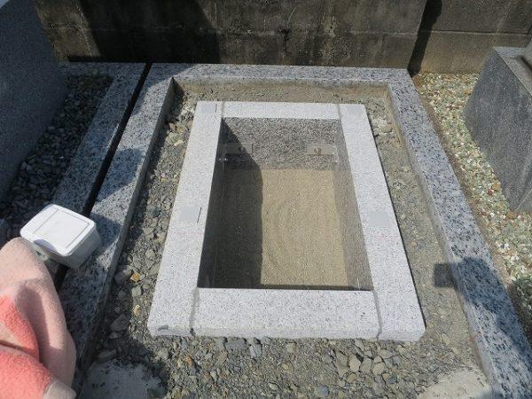 御影石納骨室