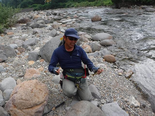 緑毛鉤で出た岩魚